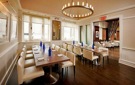 restaurant Inside The Empire Hotel | Deluxe King | NEW YORK