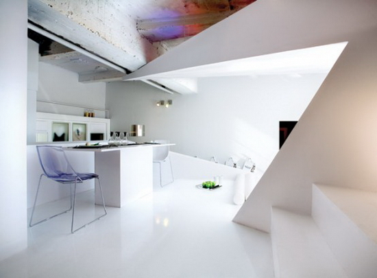 small-apartment-futuristic-interior-1-554x408