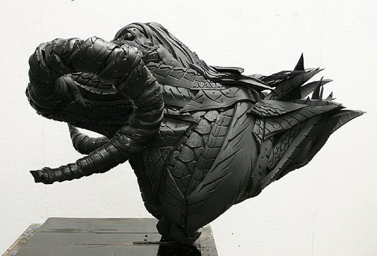 Yong Ho Ji tire sculpture 04 Used Car Tires Made Into Sculptures